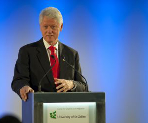 Bill Clinton, lors de l'inauguration du CDI (Photo: Catharina Link)